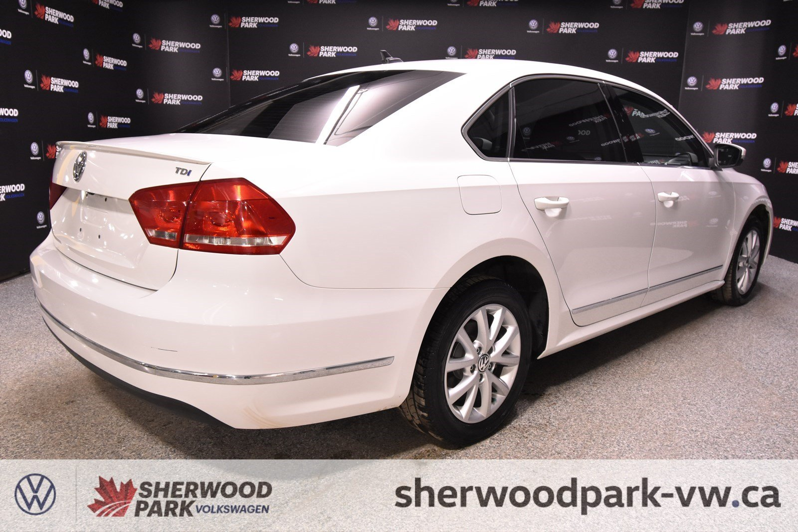 Pre-Owned 2013 Volkswagen Passat Highline