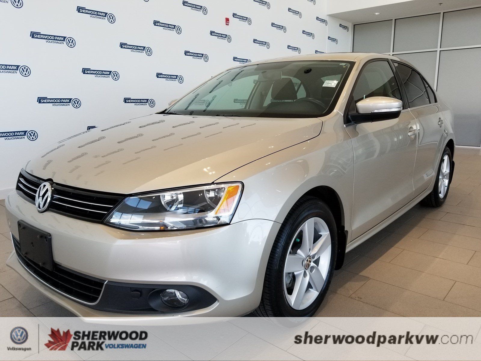 Certified Pre-Owned 2014 Volkswagen Jetta Sedan Comfortline