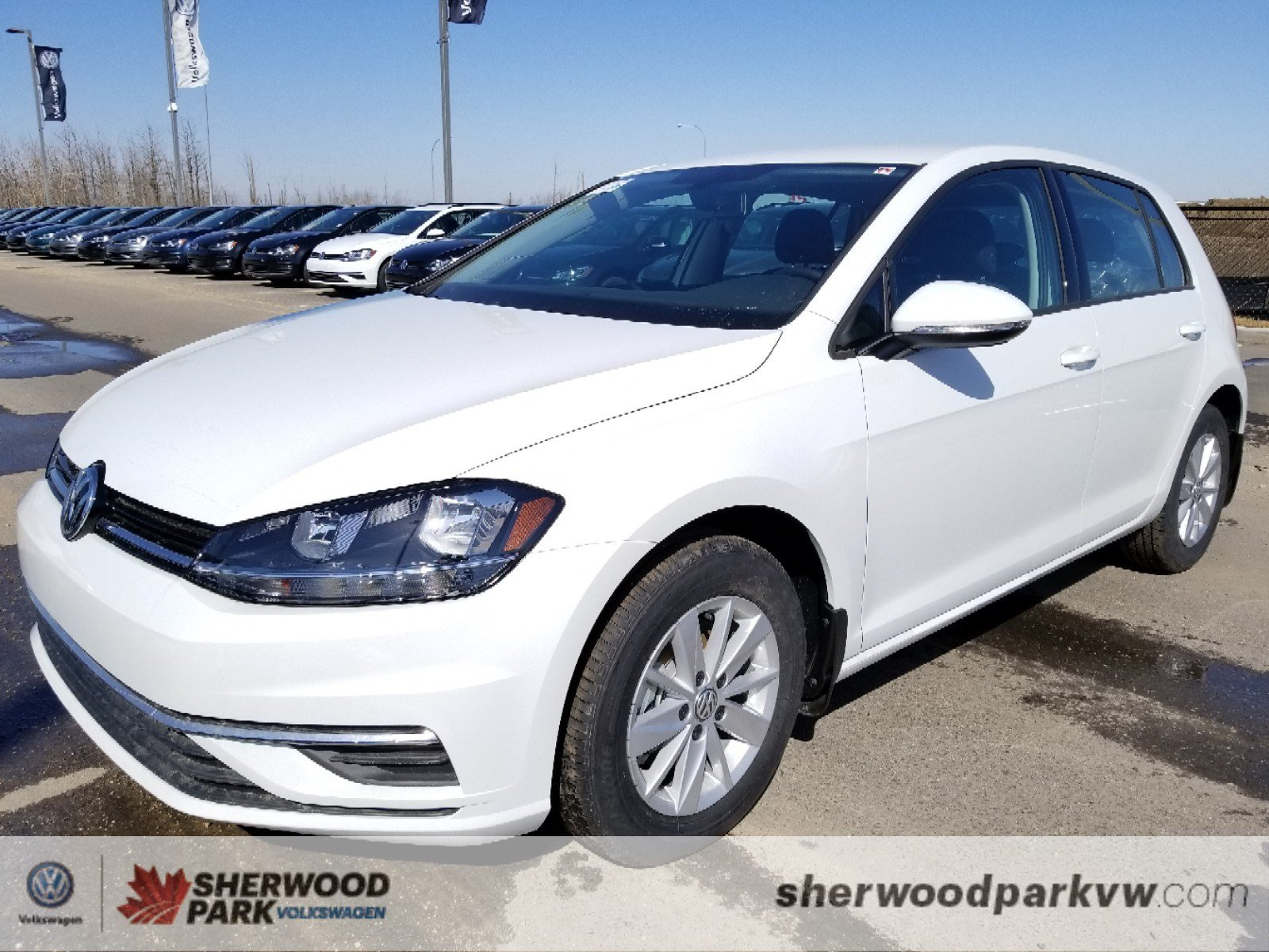 New 2018 Volkswagen Golf Trendline Hatchback in Sherwood Park