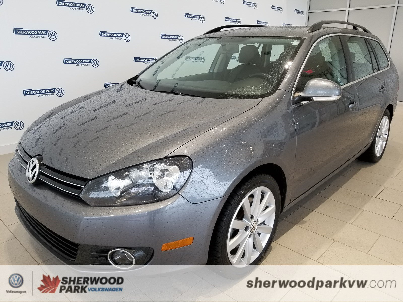 Pre-Owned 2012 Volkswagen Golf Wagon Highline