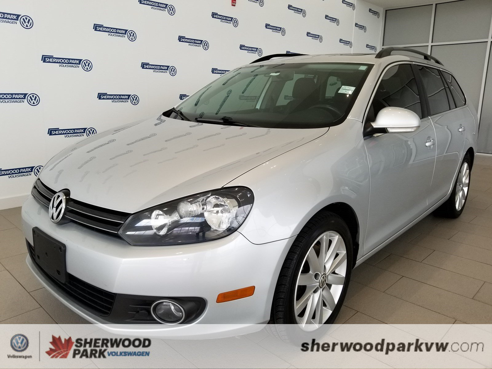 Certified Pre-Owned 2013 Volkswagen Golf Wagon Highline