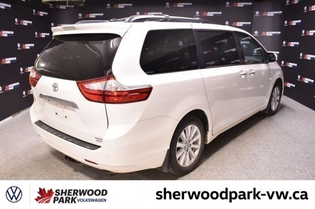 Pre-Owned 2017 Toyota Sienna Limited AWD, LOADED, DVD!!!
