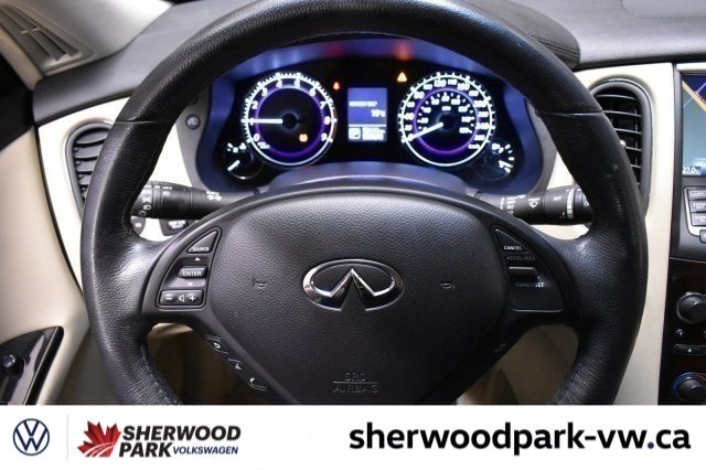 Pre-Owned 2016 INFINITI QX50 Navigation Premium Package, Local!