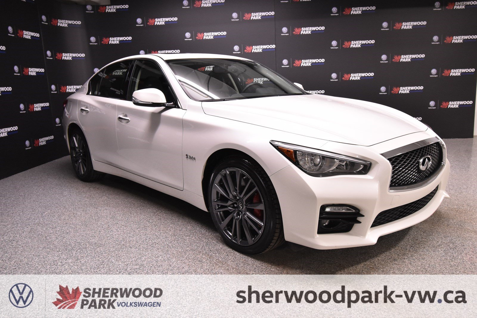 Pre-Owned 2017 INFINITI Q50 3.0t Red Sport 400