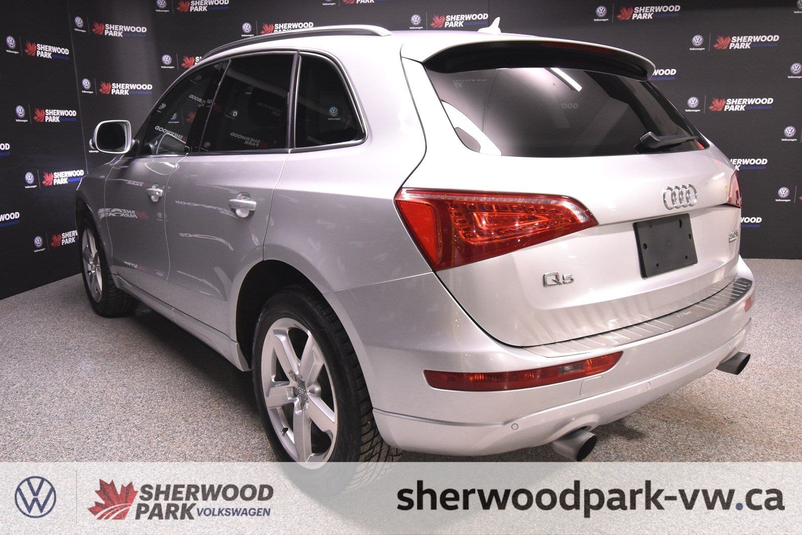 Pre-Owned 2012 Audi Q5 2.0L Premium Plus