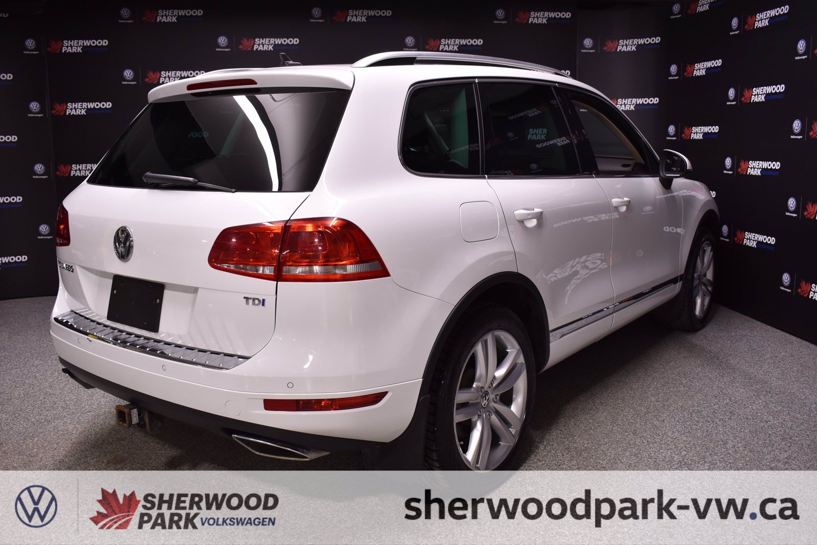 Pre-Owned 2012 Volkswagen Touareg Execline