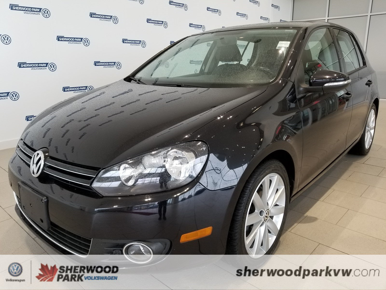 Pre-Owned 2012 Volkswagen Golf Highline