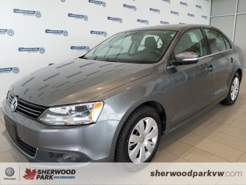 Certified Pre-Owned 2013 Volkswagen Jetta Sedan Comfortline